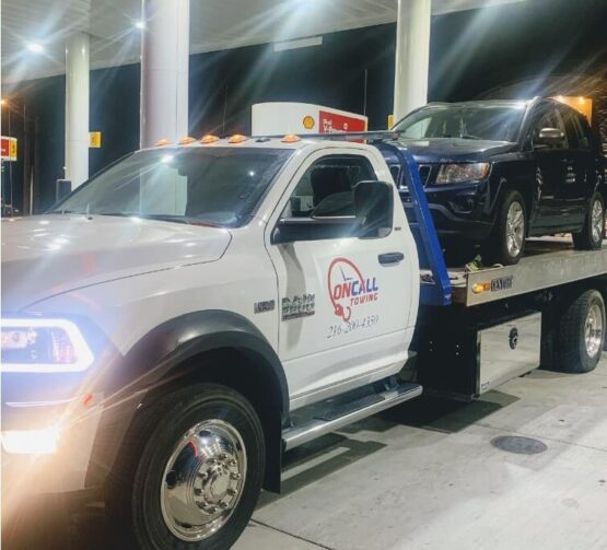 Maple Heights Towing Service by On-Call Ohio Towing service 44137
